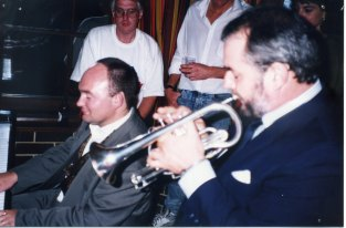 James Morrison accompanies Ed Martin in some jazz standards back at the hotel in Adelaide